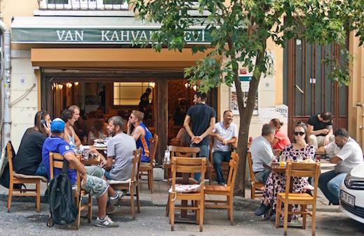 Het alleraardigste ontbijtcafé Van Kahvalti Evi in Istanboel.