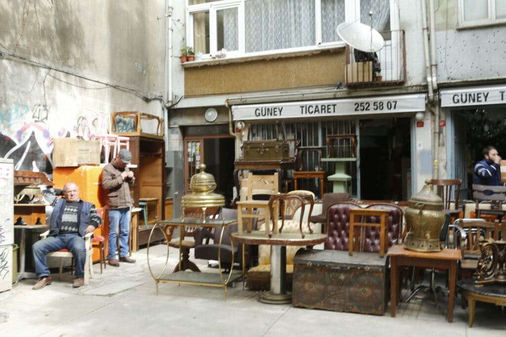Antique-dealers-Çurkurcuma