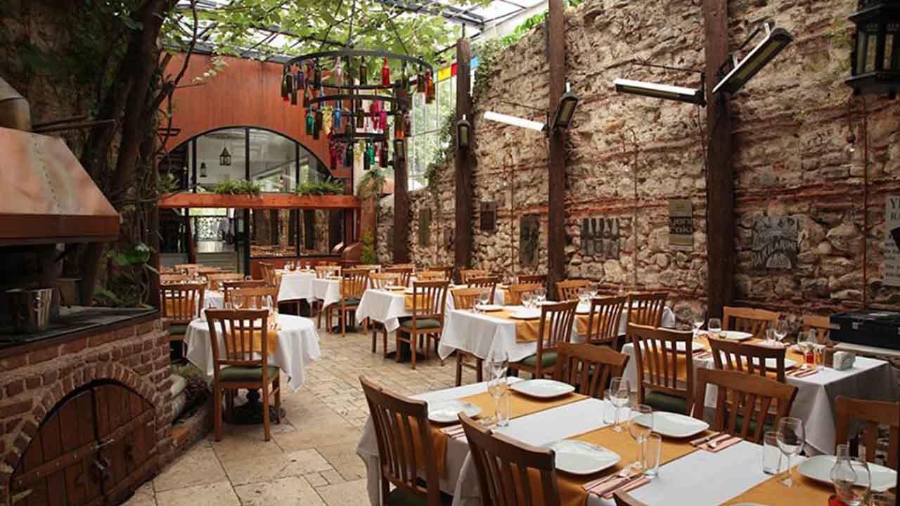agora-meyhanesi-restaurant-balat