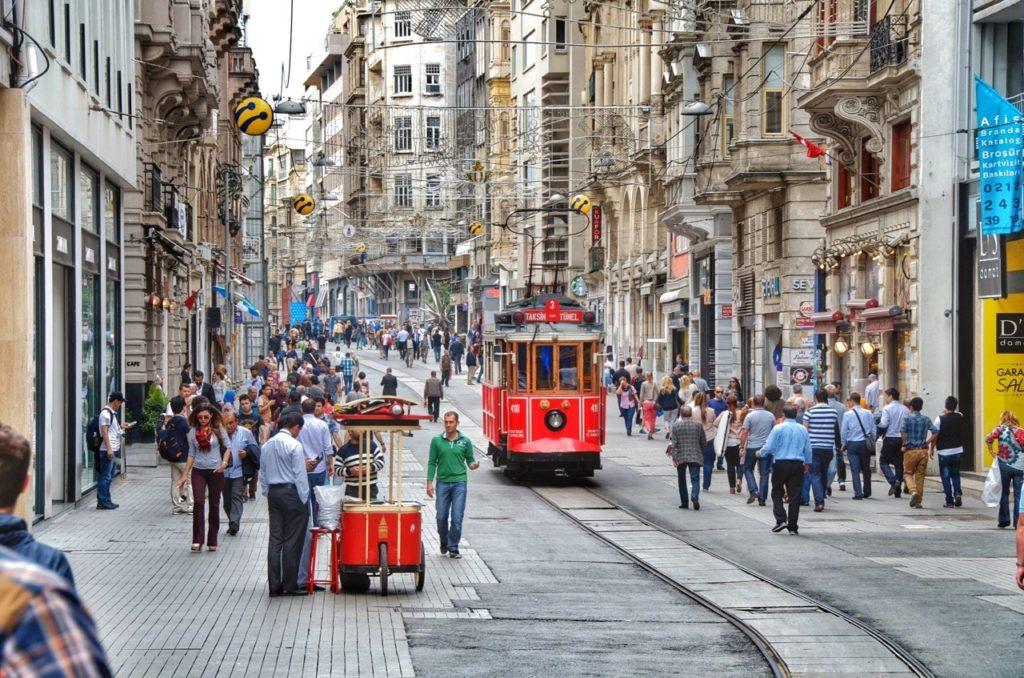 La grand avenue d'İstiklal.
