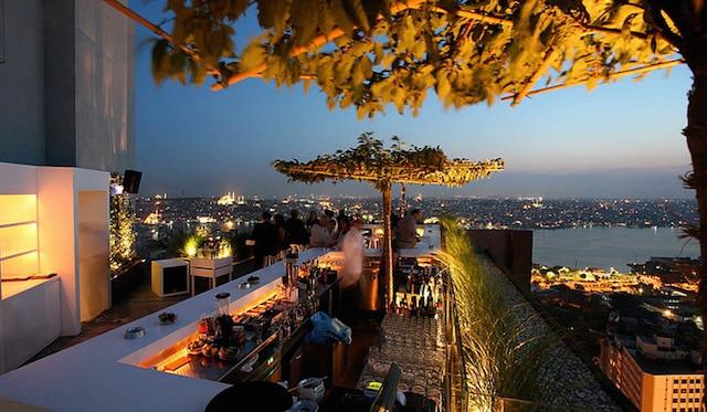 les plus belles terrasses d 39 istanbul. Black Bedroom Furniture Sets. Home Design Ideas