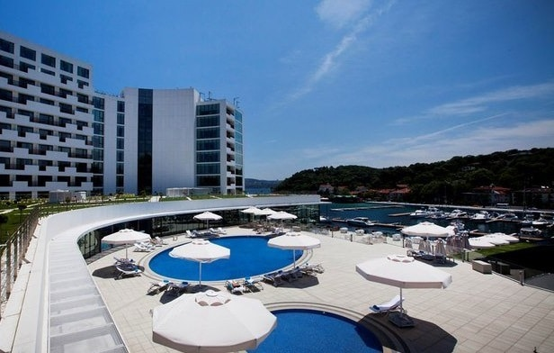 The Grand Tarabya piscine