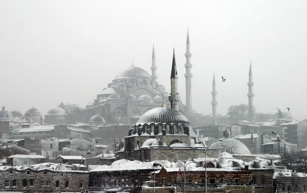 Mosquées istanbul sous la neige