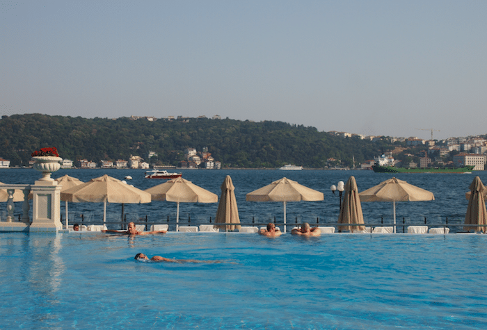 Ciragan Palace piscine
