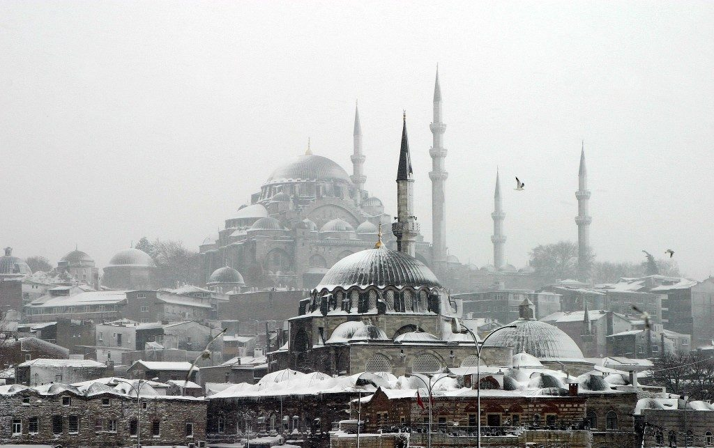 istanbul-mosques-winter-snow