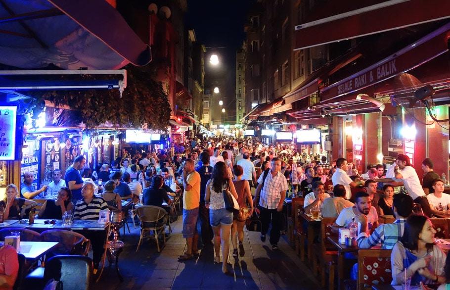 istanbul kadikoy bar nightlife