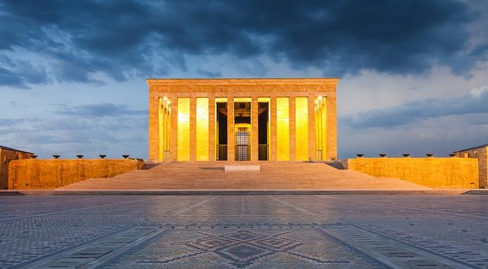 The-tomb-of-Atatürk-in-Ankara-the-Anıtkabir