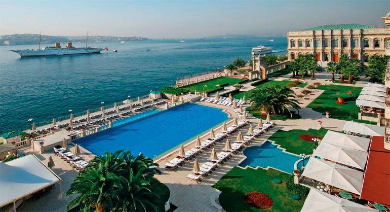 Çirağan-Kempinski-Palace-swimming-pool-by-the-Bosphorus